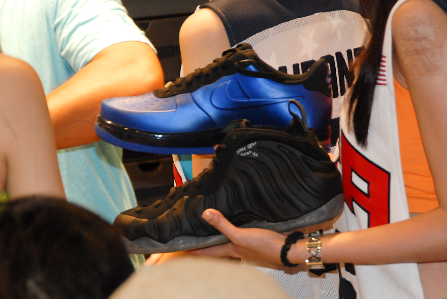 FOAMPOSITE ONE 'Stealth' / AIR FORCE 1FOAMPOSITE 'Royal'