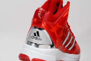 adidas allstar2013 20 300x200 adidas 全系列產品前進 NBA 明星賽 / 尖端科技提升球星極限
