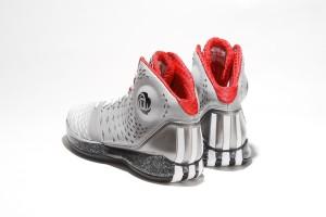 adidas rose 35 7 300x200 ADIDAS ROSE 3.5 / 沿襲優異性能 踝部保護再昇級