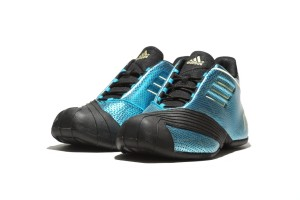 adidas yots feature 6 300x200 ADIDAS 中國年系列 / 藍金蛇鱗輝映瀲灩波光