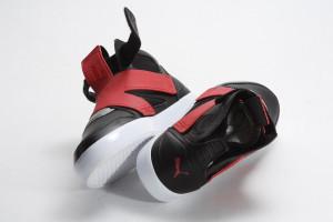 puma 13 300x200 PUMA ELY FUTURE / 前衛鞋身結構 打造足下新風貌
