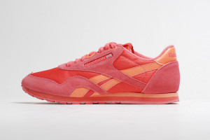 reebok classic leather 10 300x200 REEBOK CLASSIC LEATHER 領軍 – 歡度三十周年提供多樣選擇