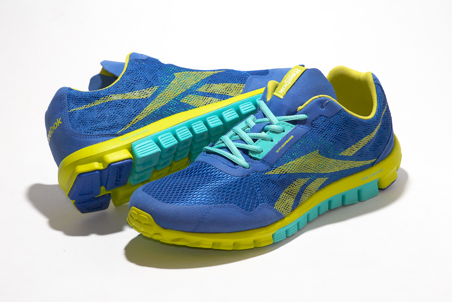 REEBOK REALFLEX RUN 2.0 / 機能鞋面與雙