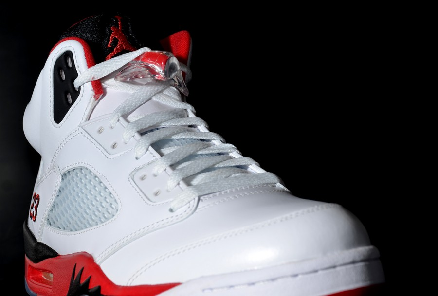 sports shoes c0d82 2471f air-jordan-v-fire-red-arriving-at-retailers-