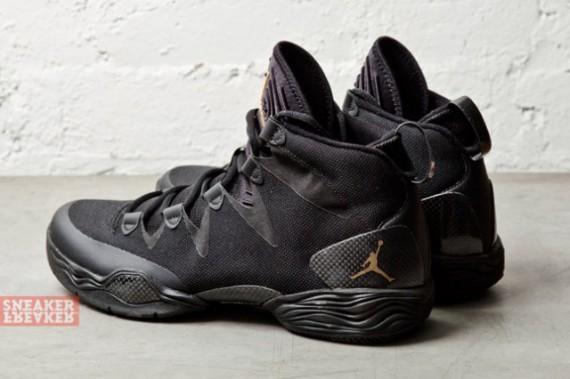 air-jordan-xx8-lite-black-metallic-gold