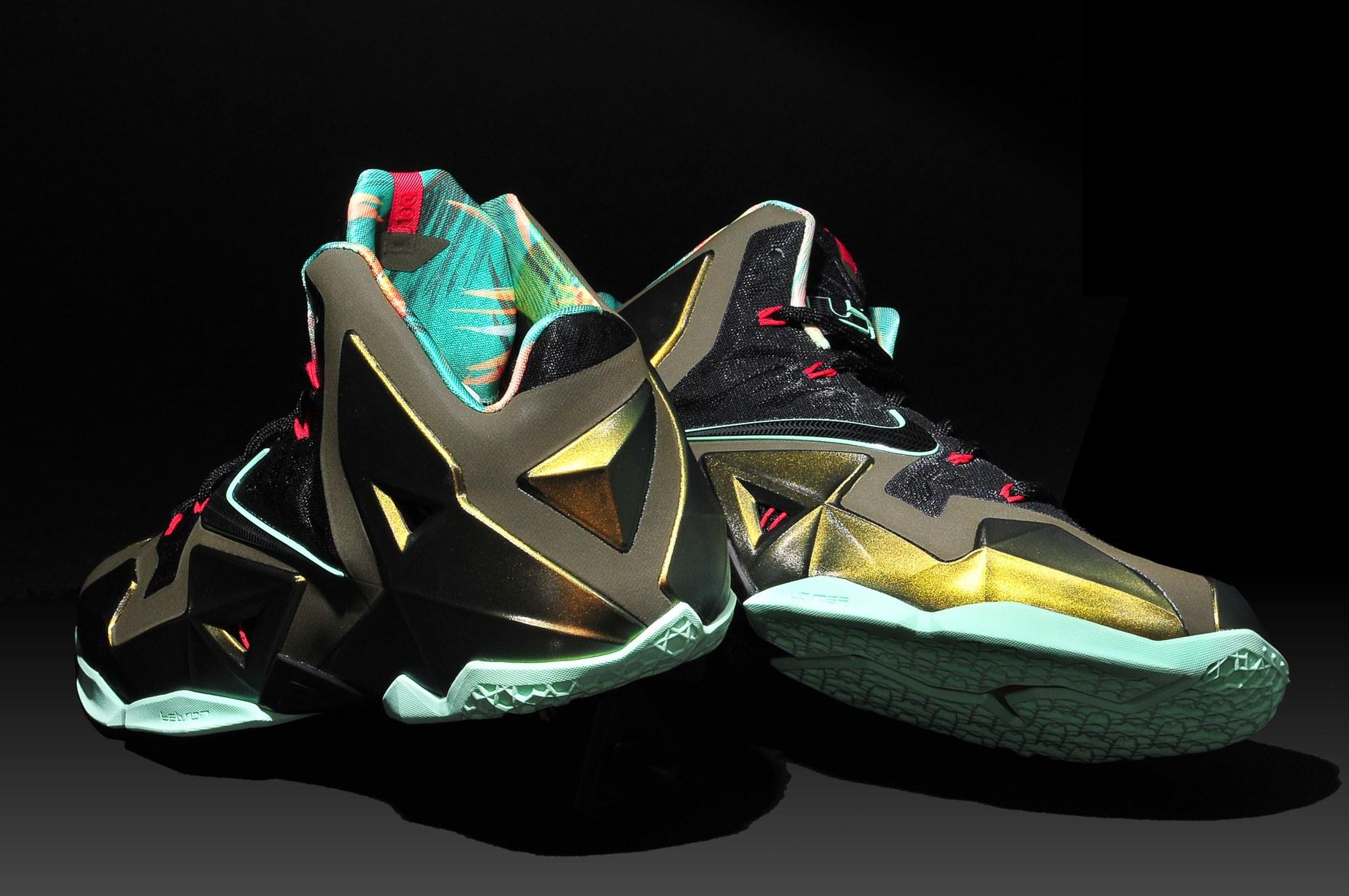 Shoes Under  Dollars Nike