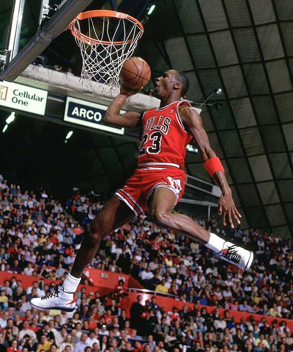 10-Photos-Of-MJ-Wearing-Air-Jordan-2-4