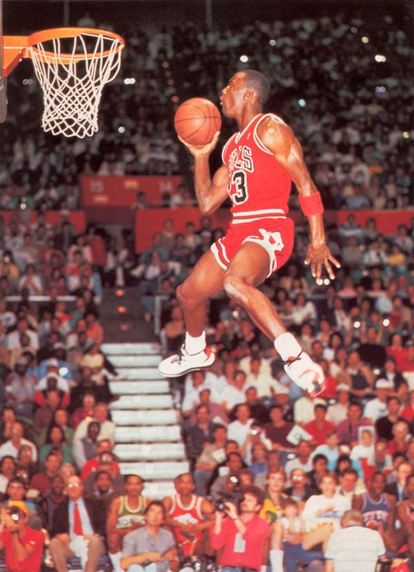 10-Photos-Of-MJ-Wearing-Air-Jordan-2-7