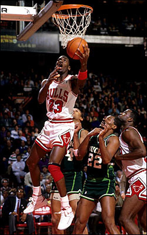 10-Photos-Of-MJ-Wearing-Air-Jordan-2-8