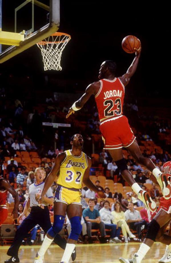 10-Photos-Of-MJ-Wearing-Air-Jordan-2-9