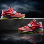 官方新聞 / 閃電襲擊 Nike 籃球推出 KD7 Kevin Durant 第七代簽名球鞋