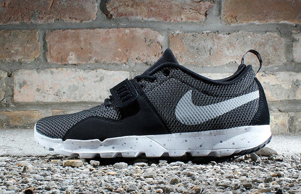 """新聞速報 / Nike SB Trainerendor """"Metallic Silver"""""""