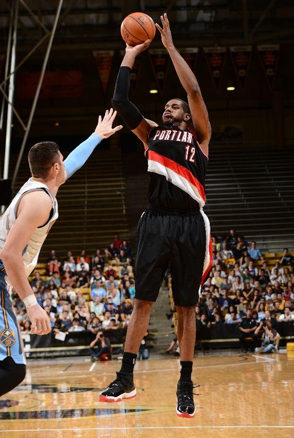LaMarcus Aldridge - Air Jordan 11 'Playoffs'