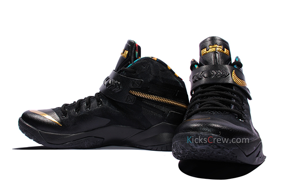 nike-zoom-soldier-8-watch-the-throne-1