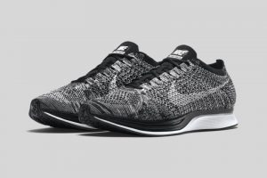 a-first-look-at-the-nike-2015-summer-flyknit-racer-black-white-1