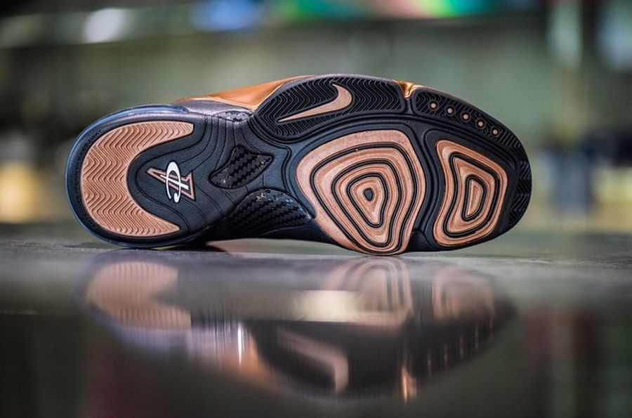 nike-air-penny-6-copper-release-date-02