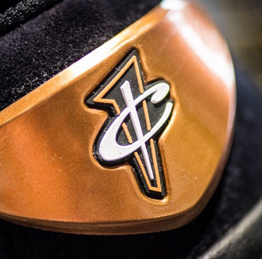 nike-air-penny-6-copper-release-date-09