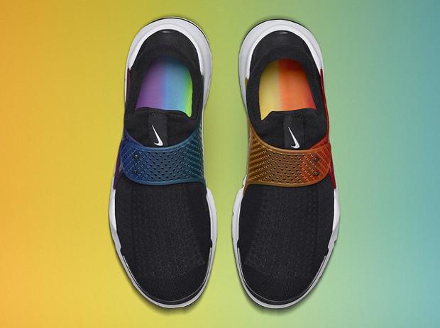 新聞速報/ Nike Sock Dart 'Be True