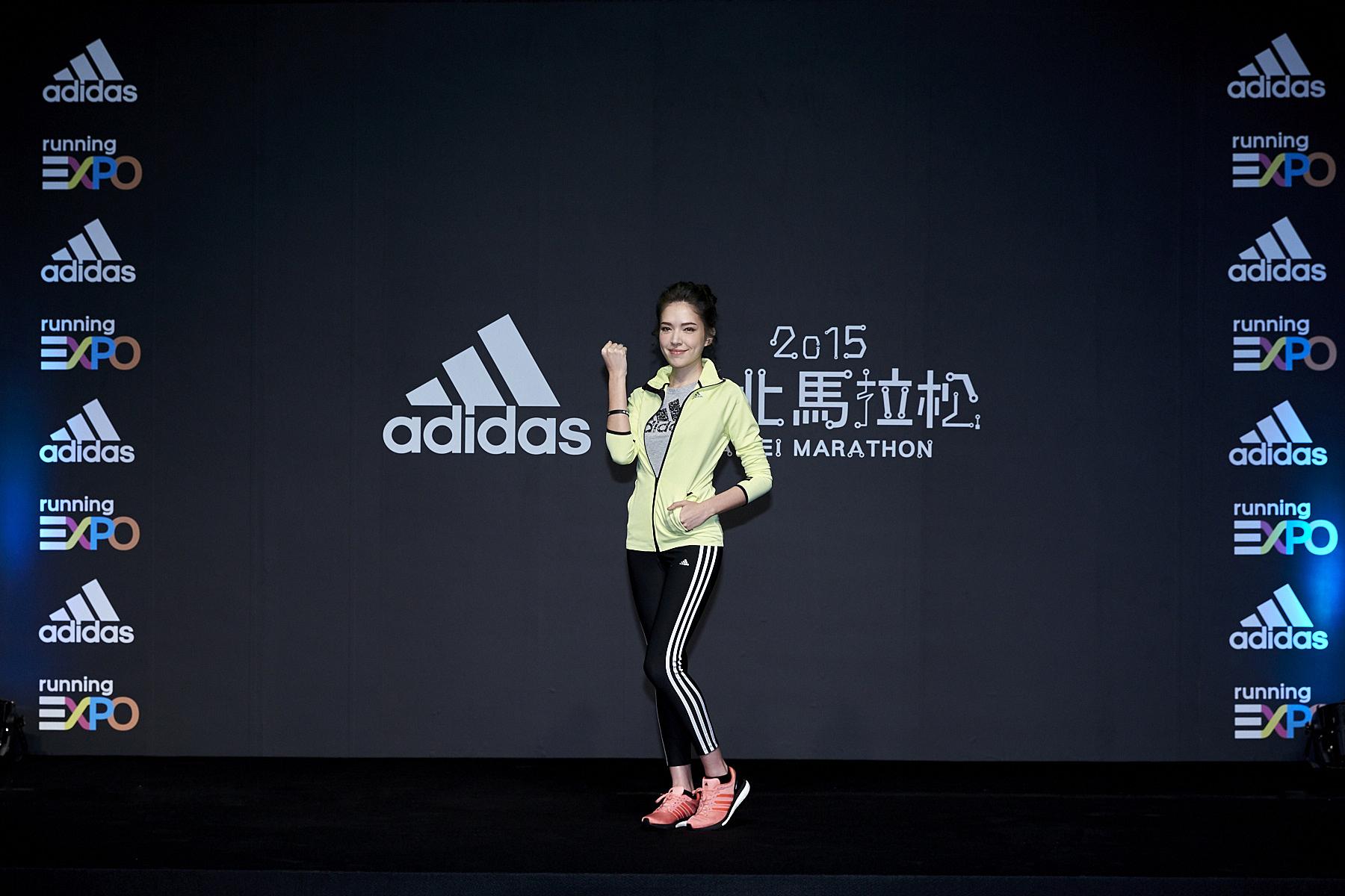 圖二:許瑋甯示範Gym & Run跑步訓練課程,號召跑者前來身體力行「#我是跑者」的精神。(adidas提供)
