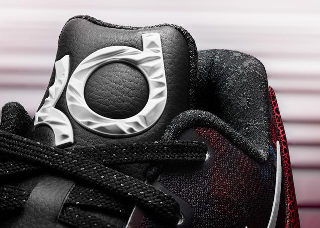 15-600_Nike_Holiday_KD_7_Detail_B-01_50821