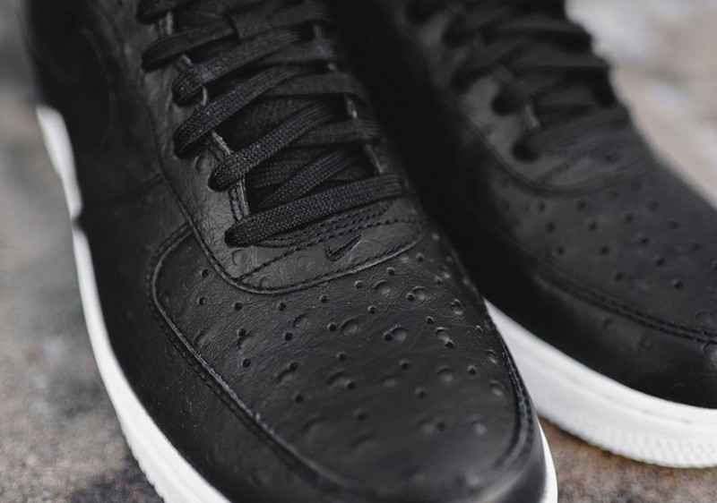 nike-air-force-1-low-ostrich-_02-e1450988366328
