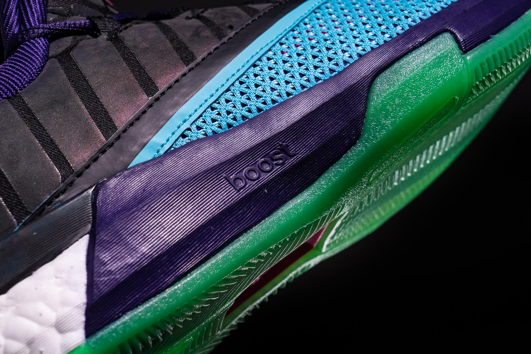 adidas-crazylihgt bost 2.5-hype-19