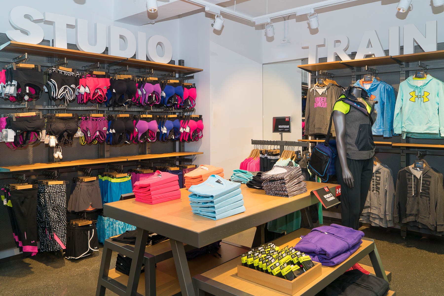 under armour-shih lin flagship store-18