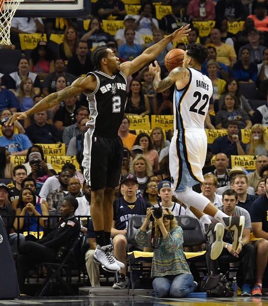 San+Antonio+Spurs+v+Memphis+Grizzlies+Game+yKSZyp_dfkDl