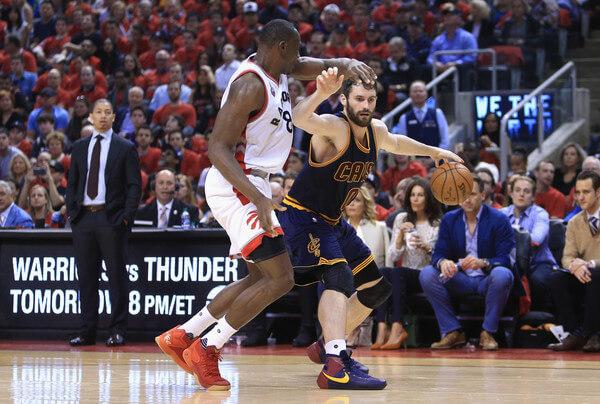 Cleveland+Cavaliers+v+Toronto+Raptors+Game+J1POmb7lh39l