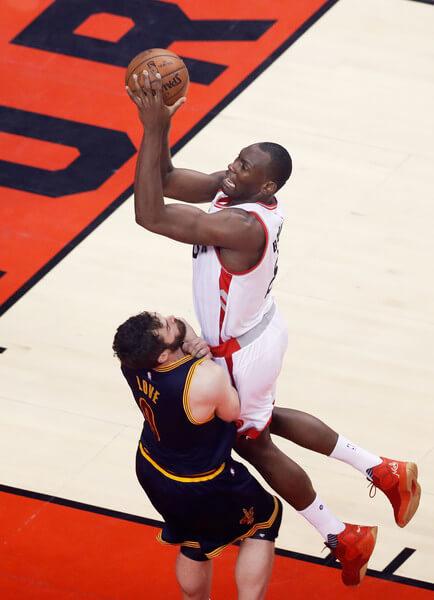 Cleveland+Cavaliers+v+Toronto+Raptors+Game+QpxyYparq_Fl