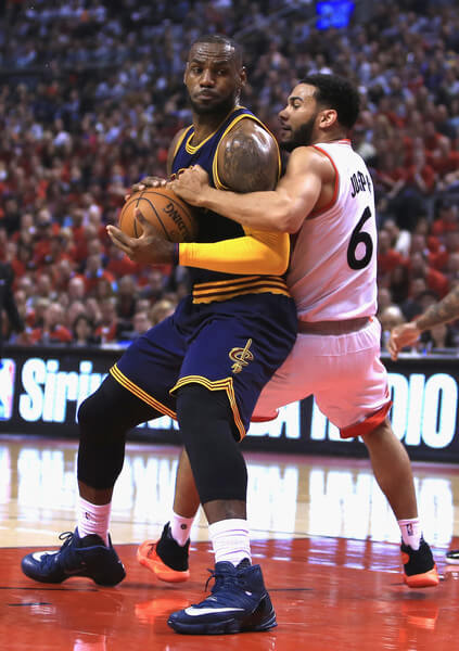 Cleveland+Cavaliers+v+Toronto+Raptors+Game+XgkxyMt8gkll
