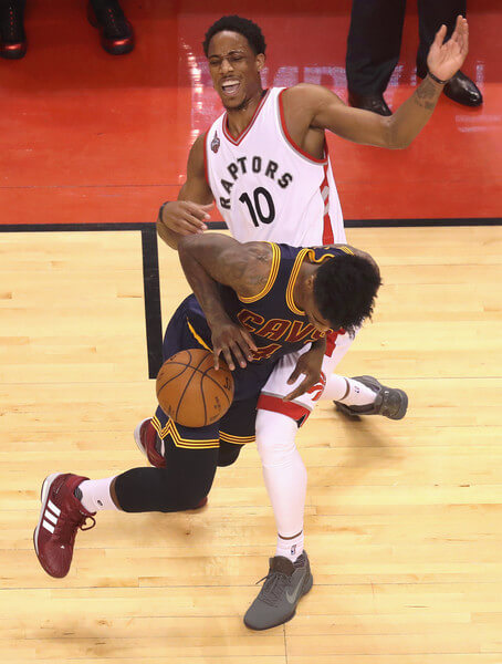 Cleveland+Cavaliers+v+Toronto+Raptors+Game+aalI4gf0pGal