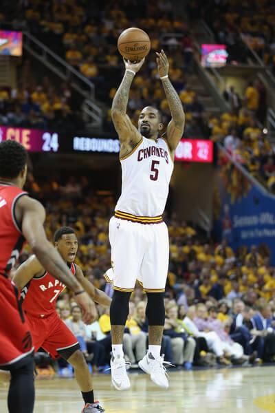 Toronto+Raptors+v+Cleveland+Cavaliers+Game+e_4qSJGiG-kl