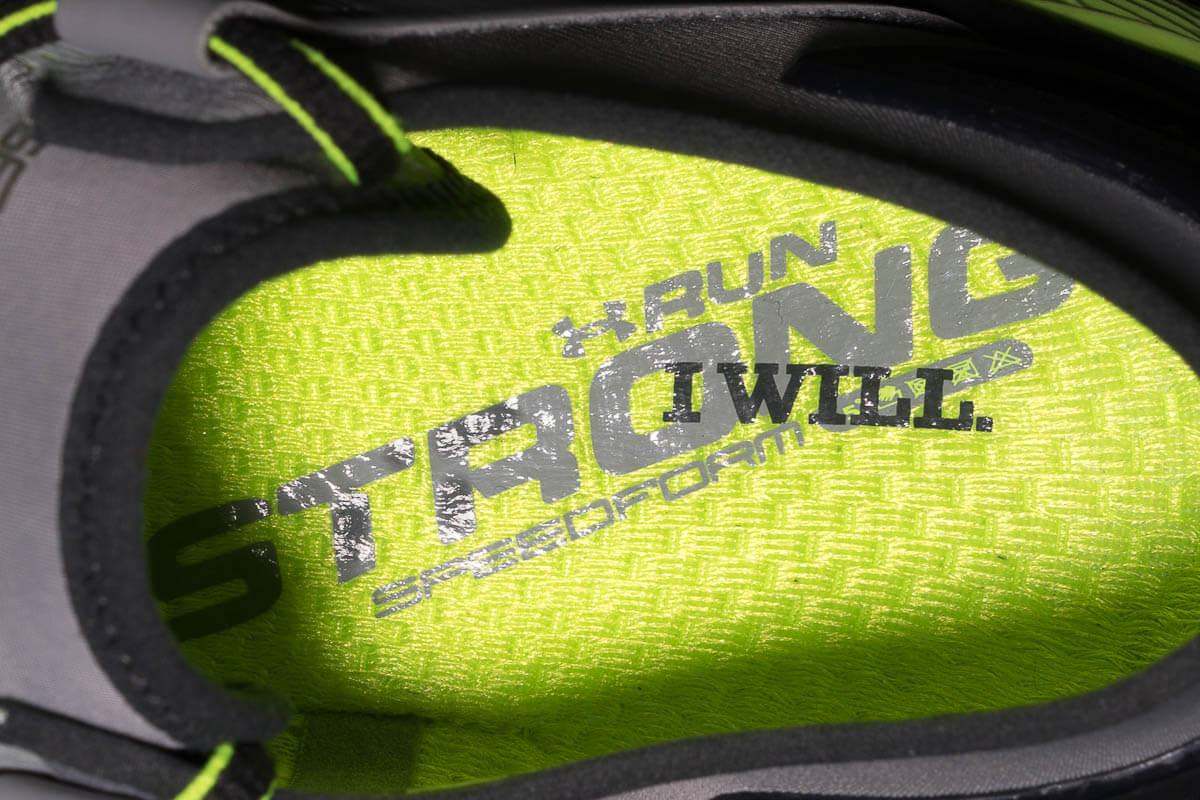 UNDER ARMOUR RUN STRONG 跑鞋剖析