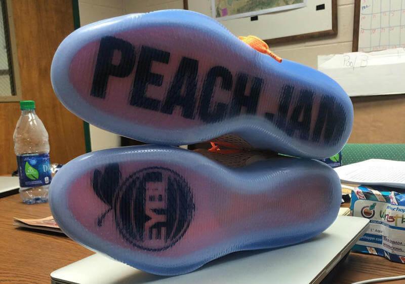 nike-kobe-xi-11-em-peach-jam-2_o9xe0p