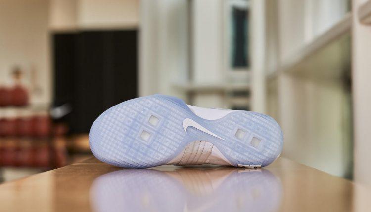 161205_footwear_lebron_0370r_hd_1600