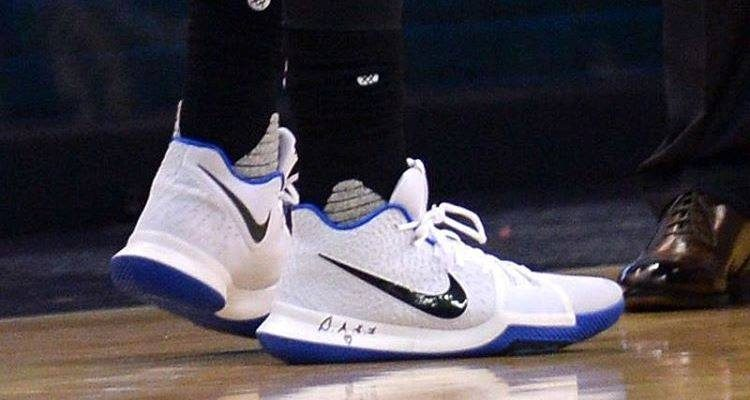 選手實著 / Kyrie Irving 著用 Nike Kyrie 3 藍白配色