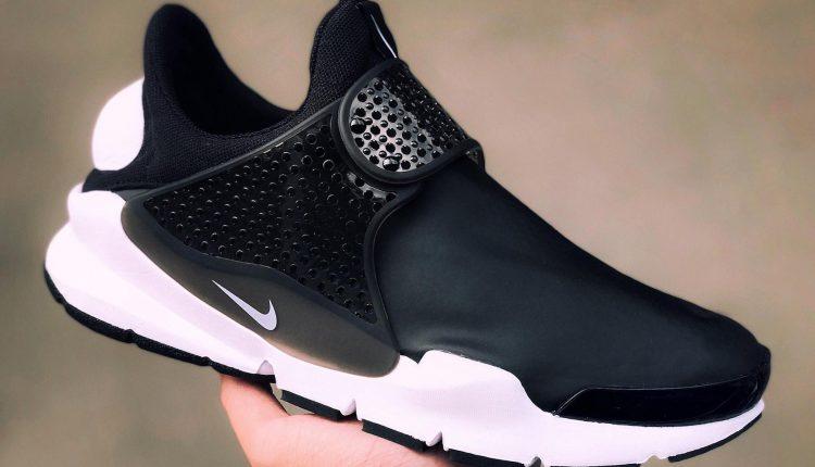 新聞分享 / 鞋面改款再進化 Nike Sock Dart 防水皮革版