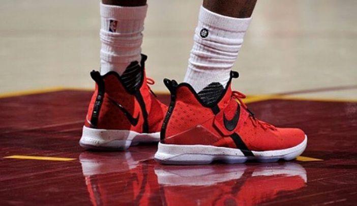 選手實著 / LeBron James 實著 Nike LeBron 14 PE
