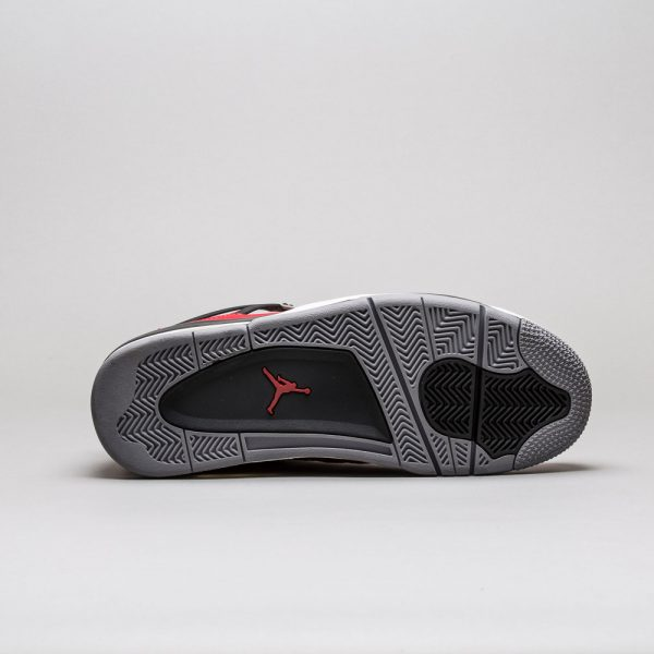 Air-Jordan-4-Retro-Toro-Bravo-2