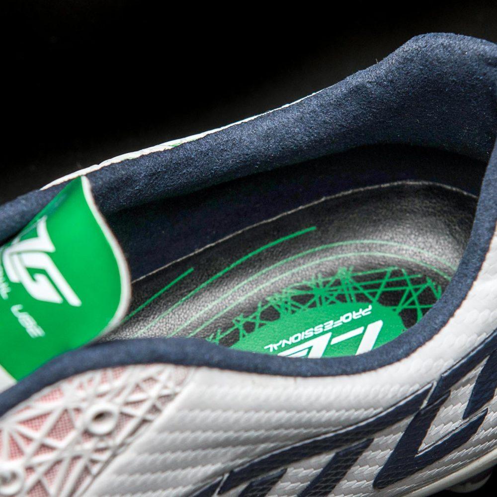 LZGVII200 頂級鞋款內襯採用高質感的麂皮面料
