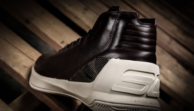 under armour-curry lux-8