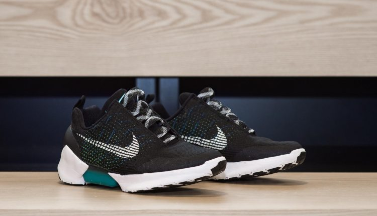 nike-hyperadapt-new color first look-6