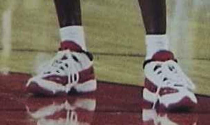 cb49864706e001 新聞分享  曾經的球員版終於問世Air Jordan 11 Retro Low IE  Gym Red ...