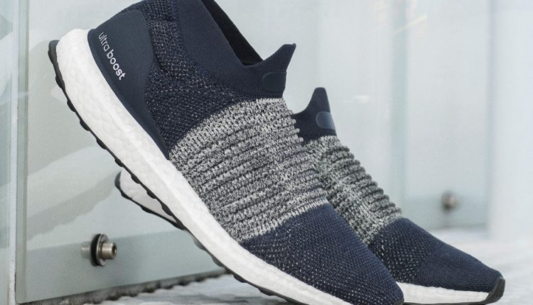 adidas-Running-UltraBOOST-Laceless-blue-4