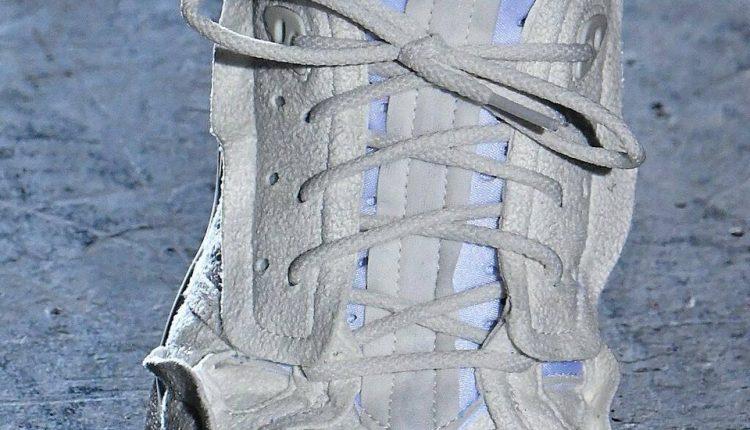 COMME des GARÇONS x Nike Air Mowabb (2)