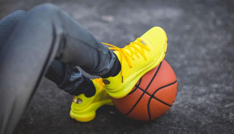 under-armour-steph-vr-pop-up-curry-4-low-and-curry-5 (2)