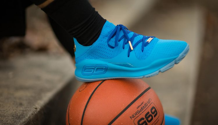 under-armour-steph-vr-pop-up-curry-4-low-and-curry-5 (9)