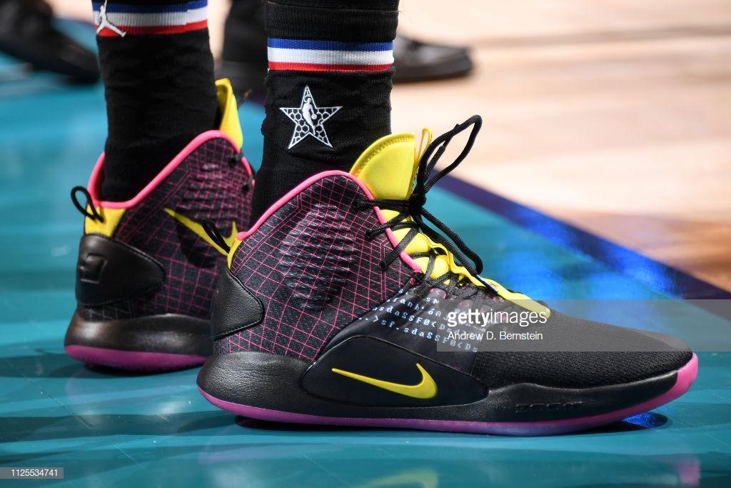 2a39937bff7d 選手實著  一年一度球鞋盛會NBA 全明星賽26 位球員腳上穿什麼帶你看 ...