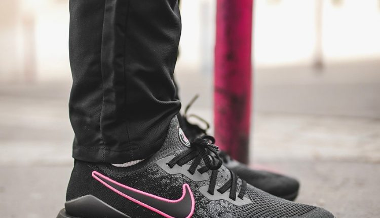 Paris-Saint-Germain-Nike-Epic-React-Flyknit-2-4